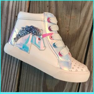 Other - 💗 Adorable Kids Iridescent High Top Sneakers 💗